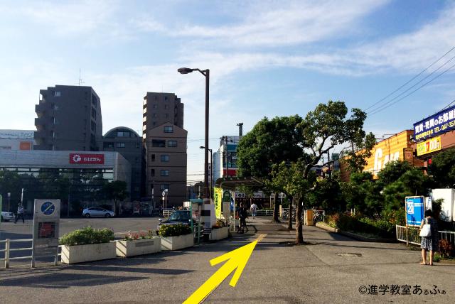 南行徳駅北口から、進学教室あるふぁの右前方への写真
